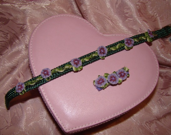 LAVENDER & GREEN FLOWERS DOG COLLAR
