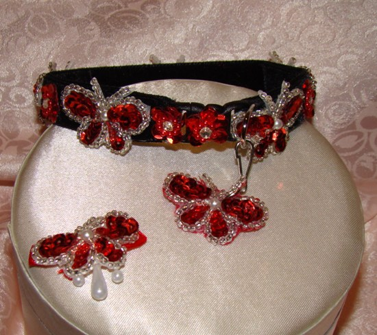 Red Beaded Butterflies and Flowers Collar