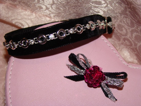 Rhinestone Silver Chain Velvet Collar