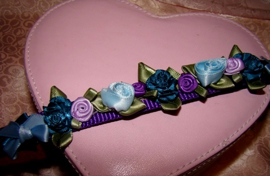 Satin Roses and Bows Collar