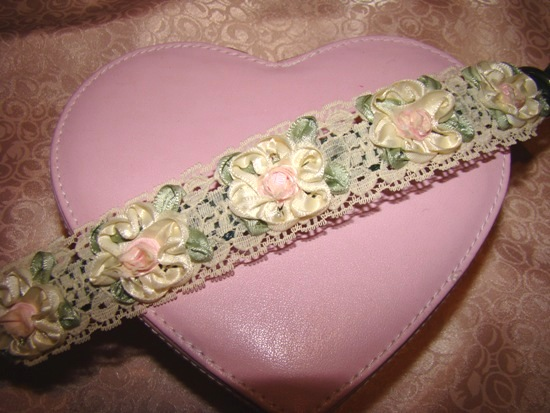 Lace Ribbon Flowers Collar