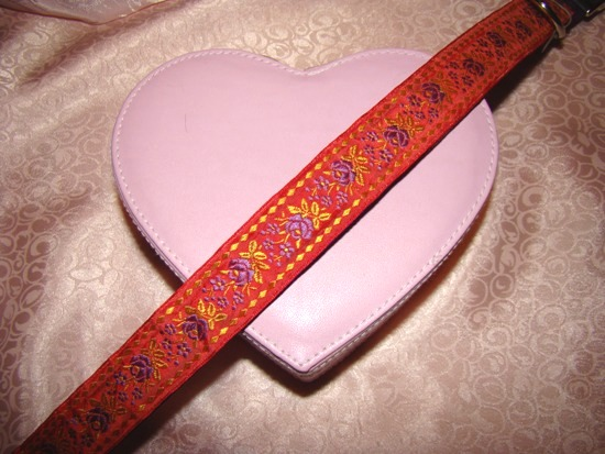Red and purple ribbon dog collar