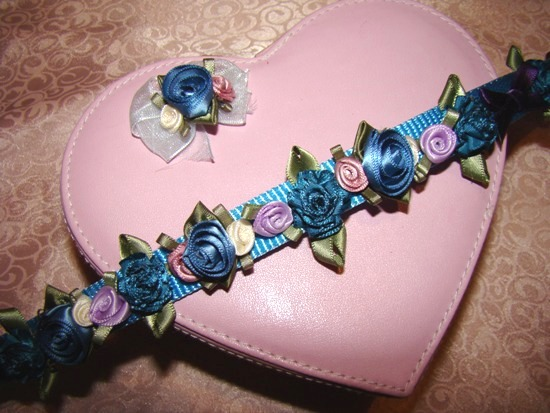 POWDER BLUE & PURPLE SATIN FLOWERS COLLAR