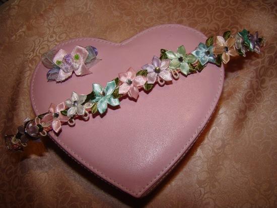 Pastel Satin Flowers Collar