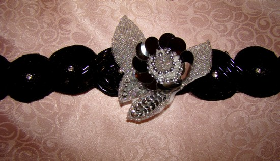 SEQUIN,SILVER FLOWER BEADED LEAVES-