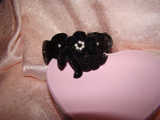 BLACK SEQUINS,PEARLS,SEED BEADS FLOWER ATTACHMENT-BLACK SEQUINS,PEARLS,SEED BEADS,FLOWER ATTACHMENT,DOG,CAT,COLLAR ATTACHMENT