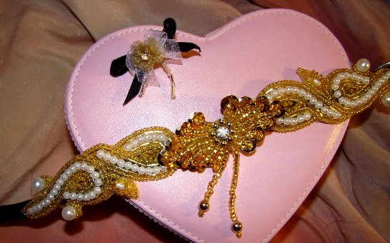 Golden Beaded Pearl Collar