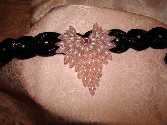 PINK PEARL V SHAPED COLLAR ATTACHMENT