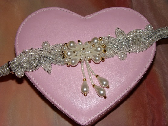 Precious Pearls dog or cat collar