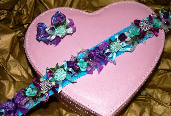 Purple Turquoise Flowers and Bows Collar