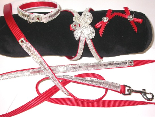 Holiday Buglebead Collar Leash Set